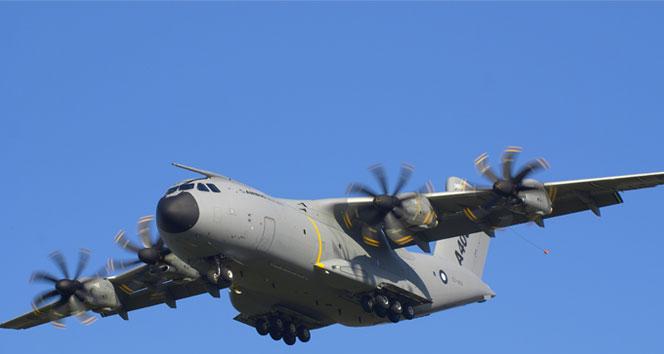 Askeri uçak düştü: 13 ölü