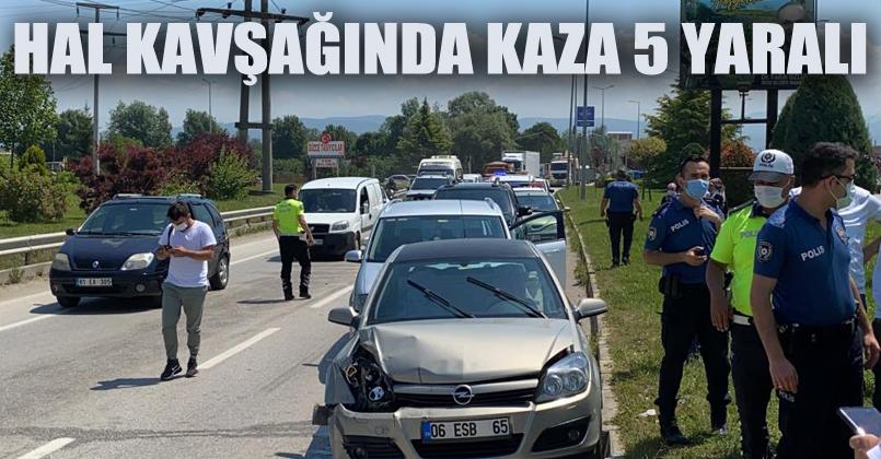7 aracın karıştığı zincirleme kazada 5 kişi yaralandı