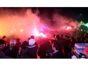 Beşiktaşlı Taraftarlardan 112. Yıldönümü Kutlaması