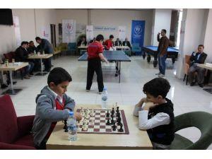 Hakkari'de Masa Tenisi Ve Satranç Turnuvası