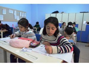 Final Okullarında Sınav İzdihamı