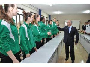 Başkan Zeki Kayda'dan Kapalı Spor Salonu Müjdesi