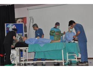 Sakaryalı Öğrencileri, Anestezi Teknisyenler Ve Teknikerler Günü'nün Resmiyet Kazanması İçin Gece Düzenledi