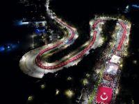 Antalya'da müthiş görüntüler... 600 metrelik dev Türk bayrağı ile yürüyüş